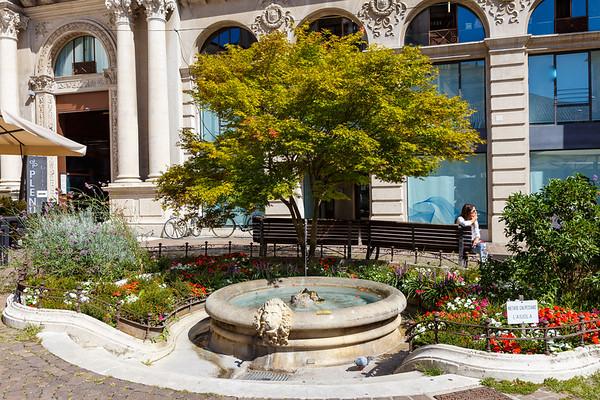 Piazza Francesco Crisp