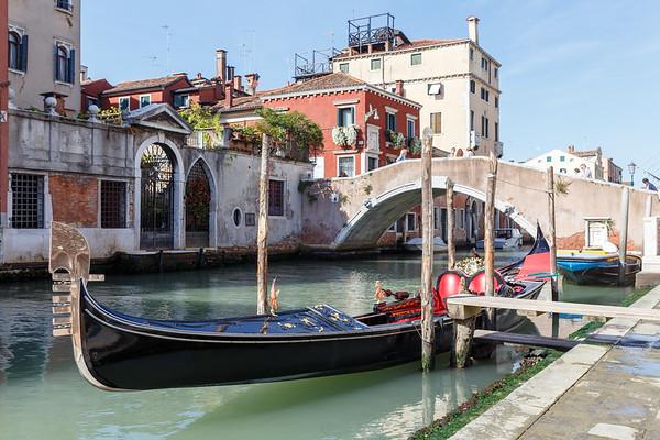 Gondola and gondolier