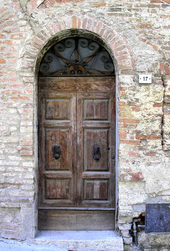 34. Brown doorway in Venice