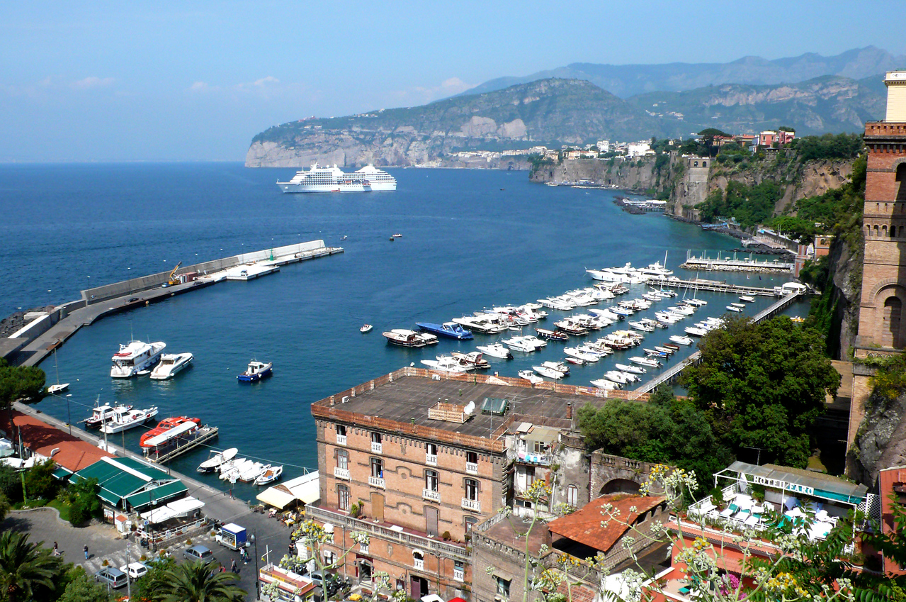 37. Sorrento harbor