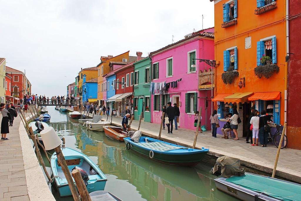 Burano Island in Venice - Murano and Burano Day Trip from Venice