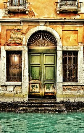 """We'll Leave the Light On"" - Venezia, Italia"