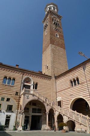 Palazzo della Ragiorne with the Lamberti Tower
