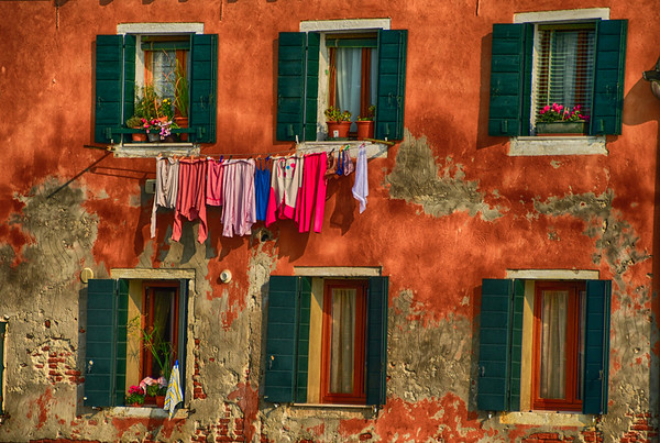 Life in Venice - Colorful laundry