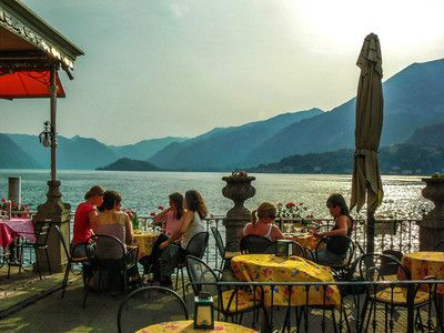 Kemmerer__Dining on Lake Como