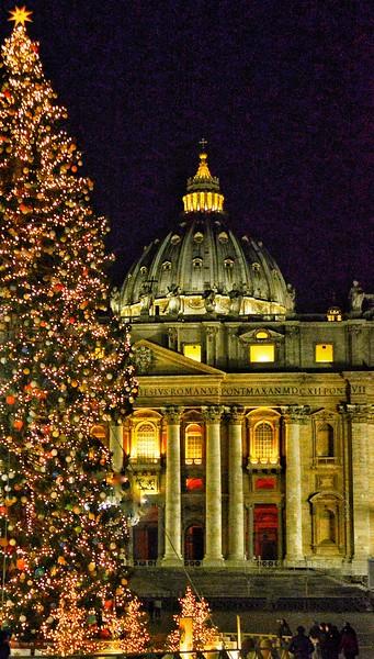 """""""San Pietro Vestita di Natale"""" - Roma"""