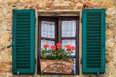 window, Monteriggioni, IT