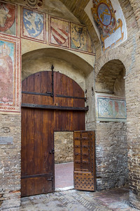 courtyard, Chiesa Collegiata, San Gimignano, IT