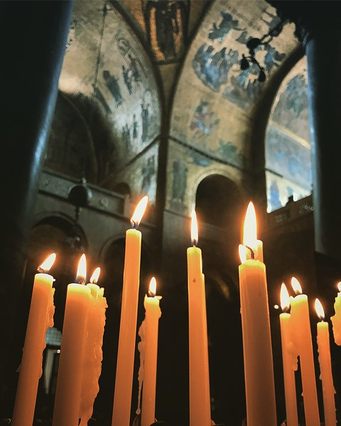Candles in St. Mark's Basilica. 2017.