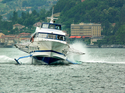 Kemmerer__A Hovercraft on Lake como