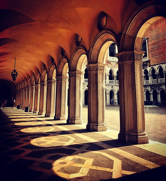 Columns in the courtyard of the Palazzo Ducale. 2017.