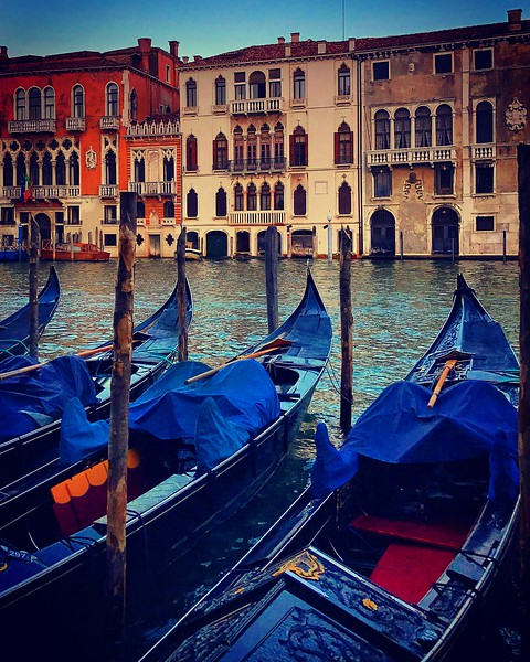 Sleeping Gondolas. 2017.