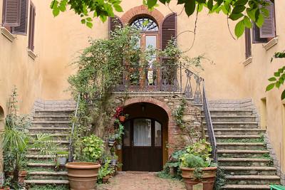 Casa Montefolloinico