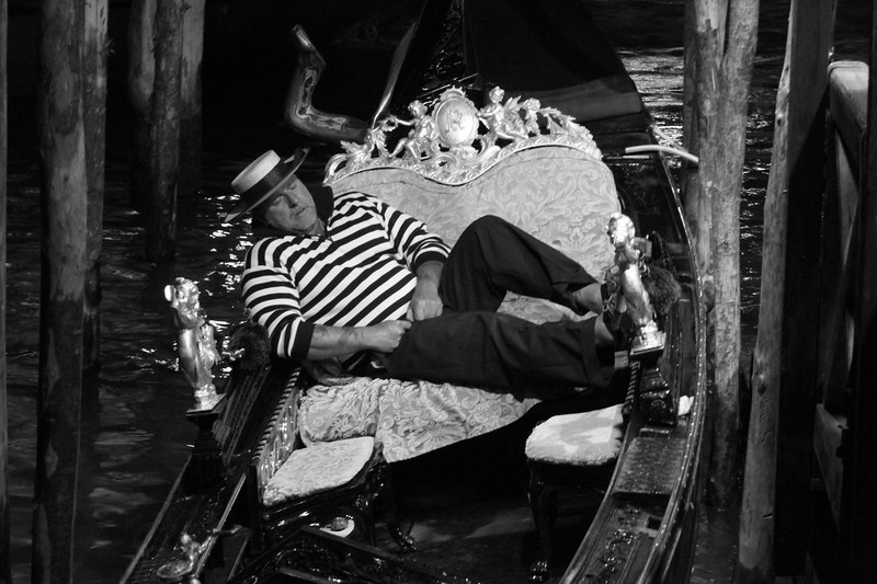 Gondolier on a break