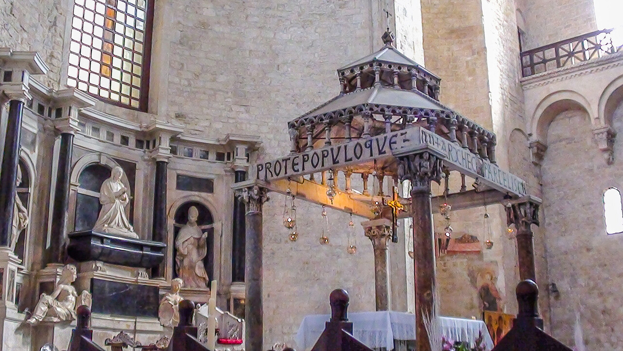 Basilica of Saint Nicholas), Bari, Italy