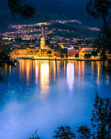 Riva del garda at night