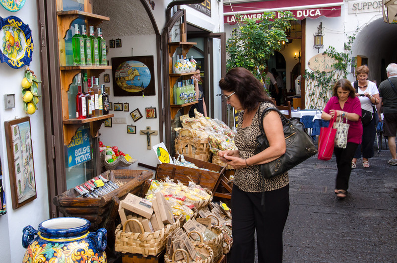 Tourist love to shop when they are in Italy. Diane is looking for some Limoncello (a lemon flavored alcoholic after dinner drink).