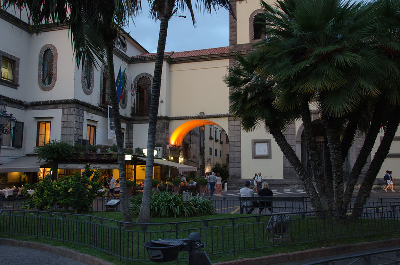 After a busy day of sightseeing it was nice to sit and do some people watching in the piazza before going to dinner.