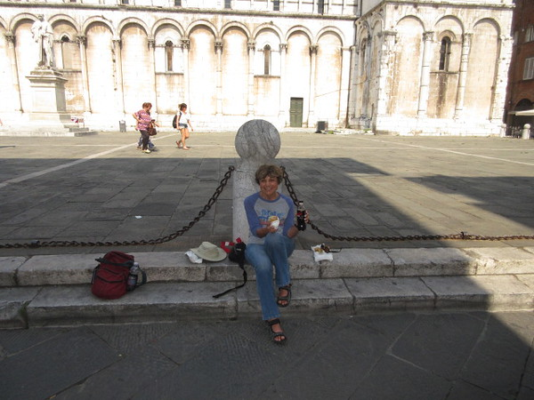 lunch in lucca Piazza S Michele sept 9