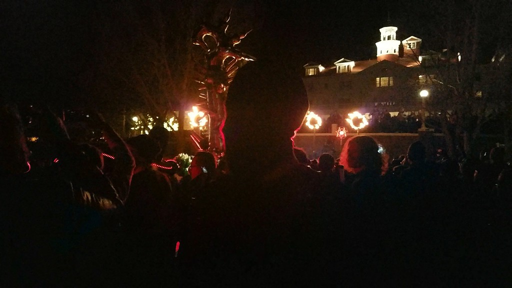 . Itchy-O\'s masked performers were in the crowd all night. (Estes Park Trail-Gazette)