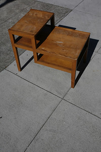 AM Moderne Conant Ball/Russel Wright Maple end table very nice. - $50 (A pleasing piece of Famous Connant Ball furniture, a one hundred year old company, manufacturer for Russel Wright)