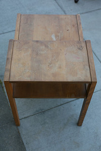 AM Moderne Conant Ball/Russel Wright Maple end table very nice. - $50 (A pleasing piece of Famous Connant Ball furniture, a one hundred year old company, manufacturer for Russel Wright)  see previous five or six photos