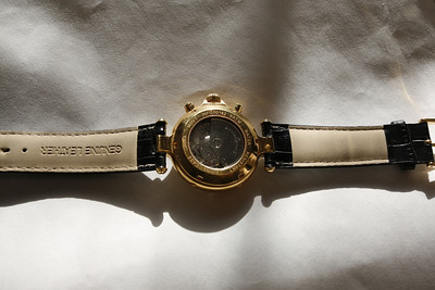 Brand new mechanical self winding Steinhausen does everything shamelessly classy timepiece with glass back to watch works, sells for nearly three hundred dollars, I have extra band all documentation and accessories see all previous photos 150 dollars yabetcha