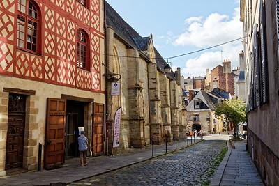 Rue St Yves