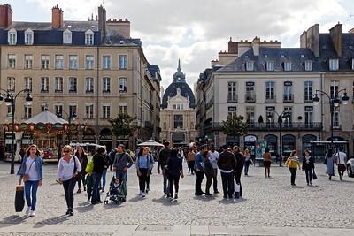 Place de la Mairie - Rue d'Orléans