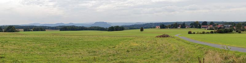 Panorama sur Rathewalde, Königstein au centre