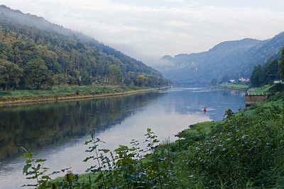 Elbe à l'aval entre Schmilka et Hrensko