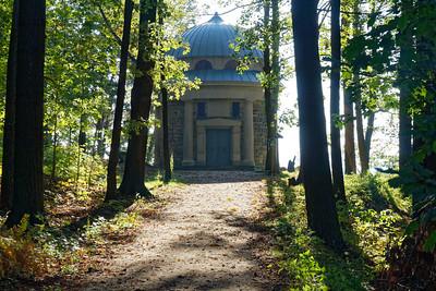 Biedermann-Mausoleum & Thiele-Aussicht - Malerweg Kapelle