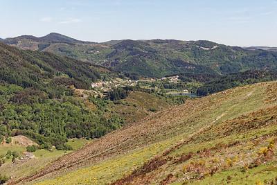 Descente sur Teyssonneyre - Vue sur St Martial