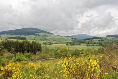 Entre Mont Haut et Mont Dernier, Mont Signon et Mont Mézenc