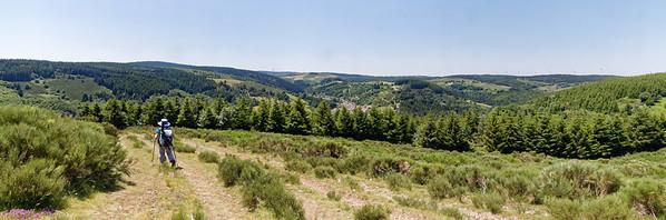 Descente sur St Cirgues en Montagne