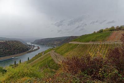Le Rhin à l'aval - Le ciel se charge