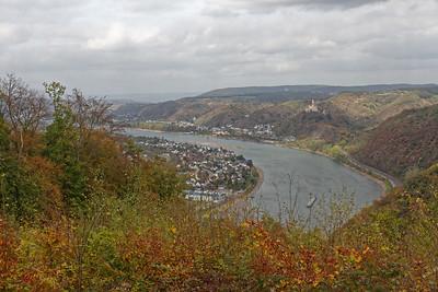 Spay à gauche, et le Marksburg au dessus de Braubach