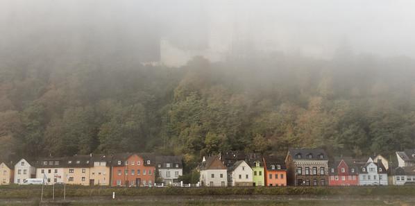 Stolzenfels Burg dans la brume