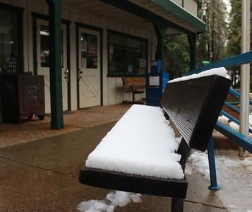 It's snowing in Forbestown