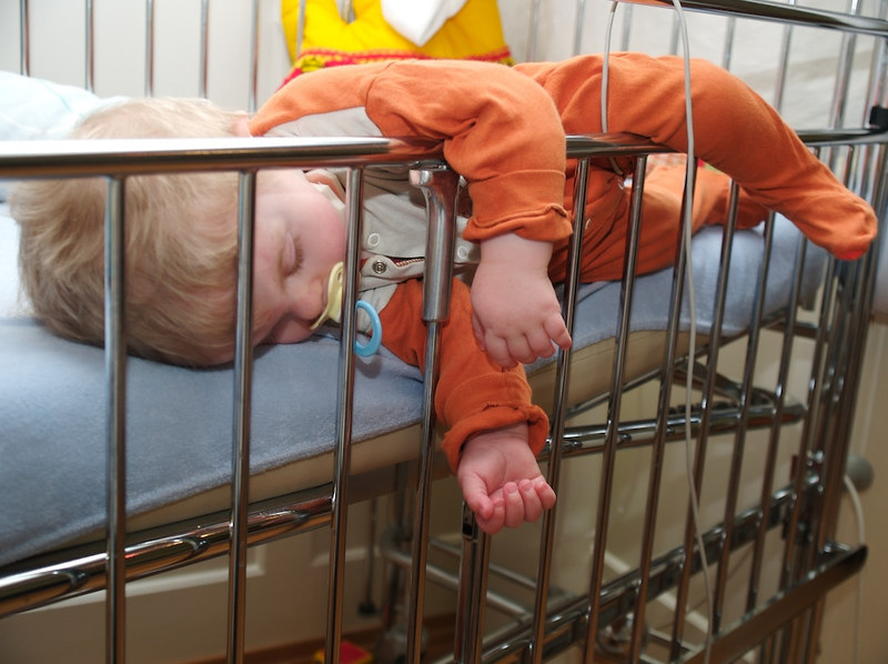Monday 26th Mar 2007 - Cai is back in time for his next meal we put him behind bars for a while to stop further attempts of escape. He found running away from home more tiring than he thought it would be and decides a nap is needed.