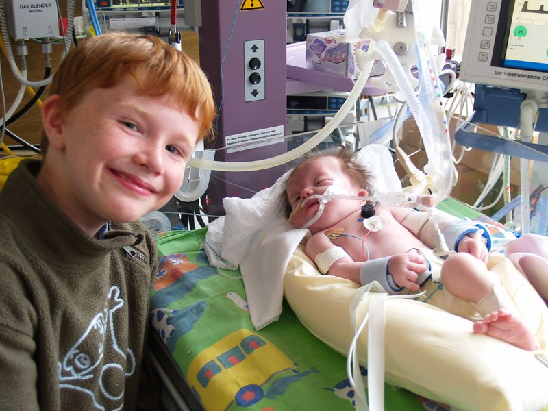 18th Oct 2005 - Oliver gets to see his new brother