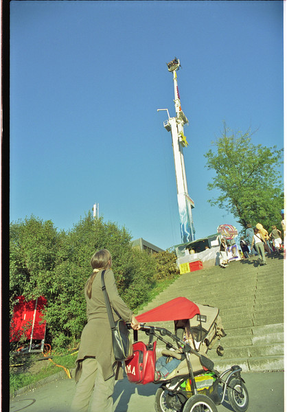 Monday 3rd sept 2007 - Jason wasn´t too impressed with this ride, but Cai said it looks quite high.