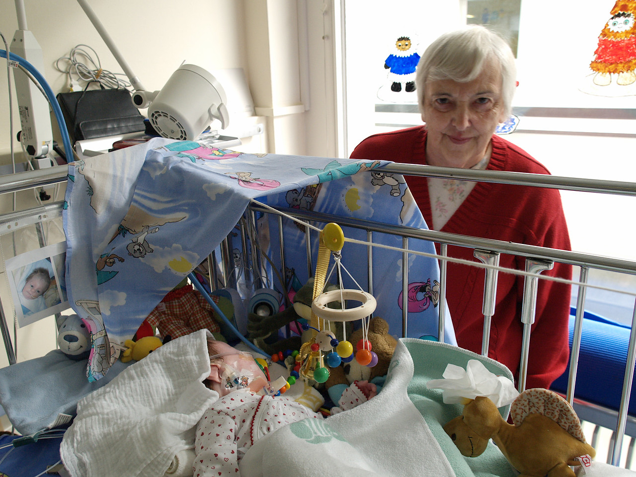 Sunday 19th Feb 06 - Cai gets a visit from Nanan (my mum)<br /> <br /> Cai was much more settled today, still in pain and discomfort but doing fine. We will be glad when they remove his infusion and tube from his nose to his stomach.