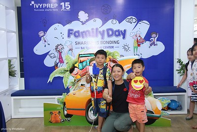 IvyPrep-Family-Day-2018-Photobooth-21