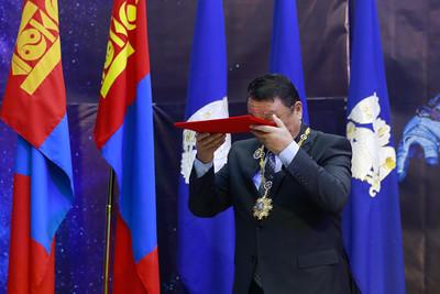 """2021 оны гуравдугаар сарын 22. Хүн төрөлхтөн сансарт ниссэний 60, монгол хүн сансарт ниссэний 40 жилийн ойд зориулсан """"Хүн- Эх дэлхий-Сансрын уудам"""" сэдэвт үзэсгэлэн нээлтээ хийлээ. ГЭРЭЛ ЗУРГИЙГ Г.ӨНӨБОЛД/МРА"""