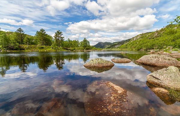 Fidjelandsvatnet ved Kvæven, Sirdalen i Sirdal Kommune