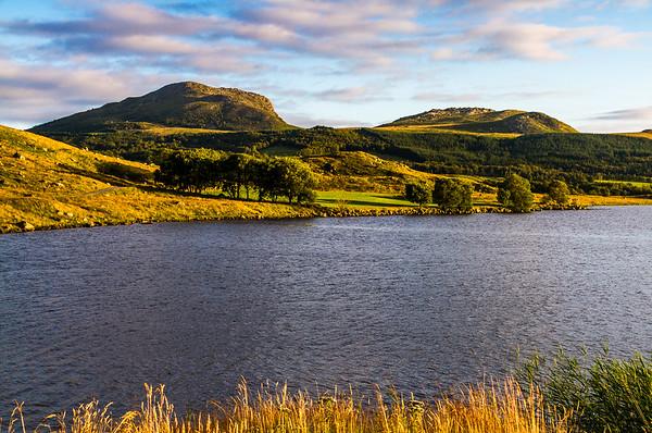 Limavatnet med Fitjanuten / Fidjanuten og Tindafjellet.