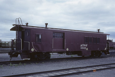 2021.004.C.009--j david ingles 35mm kodachrome--AT&SF--drovers caboose D936--location unknown--1966 0600