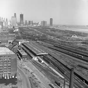 2021.004.3.013-02--j david ingles 120 neg--ICRR--view looking north at Central Station (12th) on its last day in service--Chicago IL--1972 0305