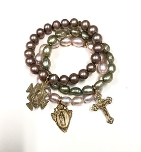 BRAC SET #50 CO 115  ROSE, GREEN AND PINK FRESHWATER PEARLS WITH SAN BENITO, MIRACULOUS MEDAL AND CRUCIFIX
